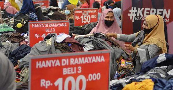 RALS Dampak PPKM, Ramayana Pangkas Target Kenaikan Pendapatan Jadi 10% - Korporasi Katadata.co.id